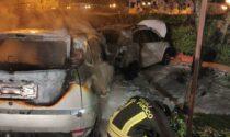 """La notte di Preganziol """"illuminata"""" dalle auto bruciate a San Trovaso: indagini in corso"""