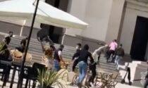 Violenza a Conegliano, il video del folle raid punitivo in piazza