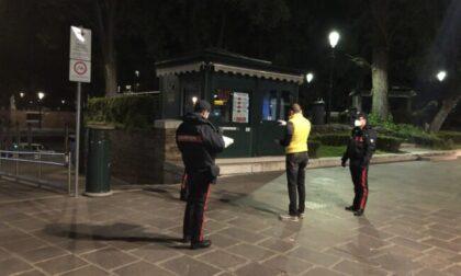 """Fa il """"bàcaro tour"""" poi chiama i Carabinieri: """"Portatemi in carcere, non sopporto i domiciliari"""""""