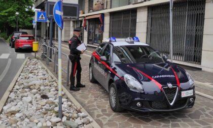 Spacciano cocaina alla stazione dei treni: due arrestati