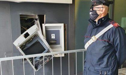 Colpo notturno al Bancomat con esplosione