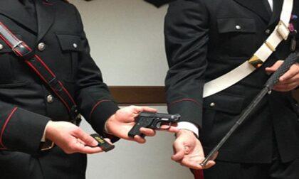 Teneva in casa una pistola clandestina, 43enne agli arresti domiciliari