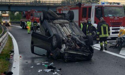 Due gravi incidenti sulle strade trevigiane: conducenti feriti estratti dalle lamiere