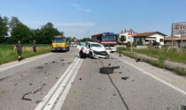 Frontale tra auto e camion, regionale bloccata e traffico in tilt: ferita una 57enne di Resana