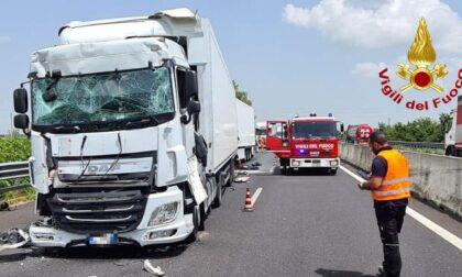 Tamponamento tra tir in A4 all'altezza di Cessalto, un ferito e traffico in tilt