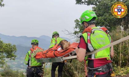 Scivola sulle rocce e si infortuna: soccorsa escursionista di Susegana
