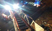 Incendio tetto a Crocetta, disabile salvata dai Vigili del fuoco