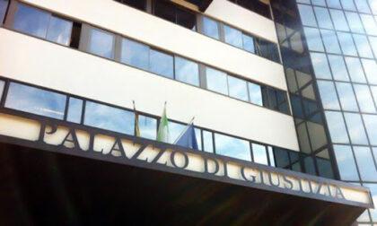 Paura a Treviso, minaccia di farsi esplodere davanti al Tribunale
