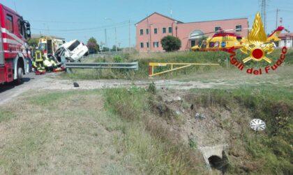 Perde il controllo dell'auto a Cessalto: 54enne elitrasportato all'ospedale e intubato