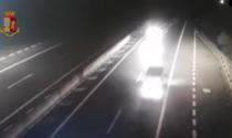 Il video dell'automobilista dieci chilometri contromano in Autostrada. Era ubriaco
