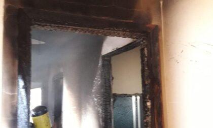 Cortocircuito all'impianto elettrico, appartamento distrutto dalle fiamme a Istrana