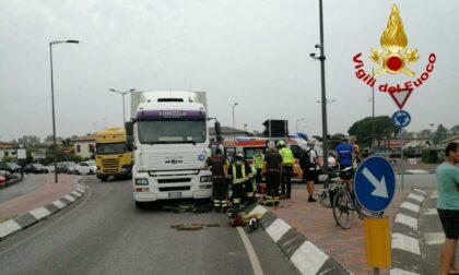 Circonvallazione est Castelfranco, secondo incidente in poche ore: ferita una ciclista
