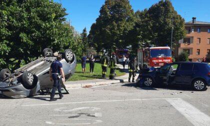 Ponte di Piave, scontro tra auto all'incrocio: due feriti