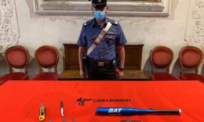 Treviso, due giovani denunciati per possesso di coltelli e mazze da baseball