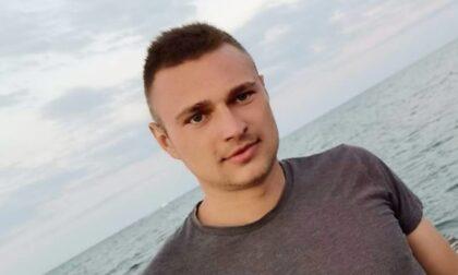 Perde il controllo dell'auto e si schianta contro un muretto: morto un 22enne