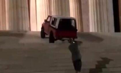 """Danneggia la scalinata del Tempio di Canova con la jeep, 24enne nei guai: """"Sono pentito"""""""