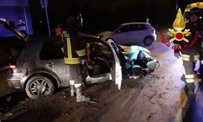 Incidente a Casier, esce di strada con l'auto: conducente miracolato