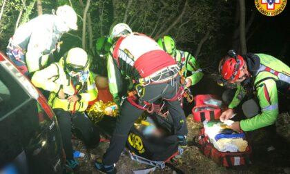 Monte Grappa, le foto del recupero della famiglia precipitata nel canale